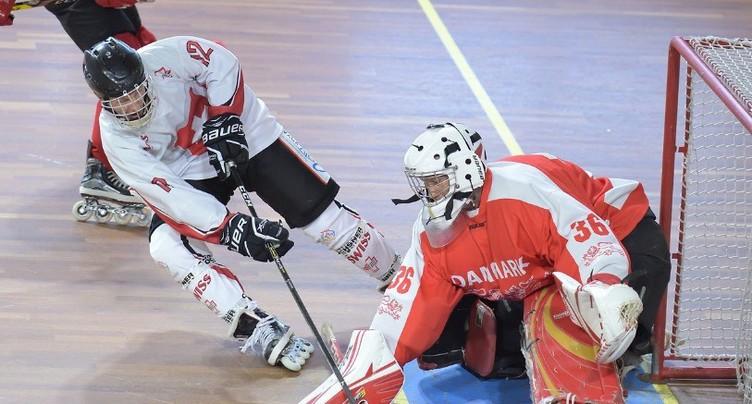 L'équipe de Suisse d'inline hockey fait vibrer le Forum Biwi