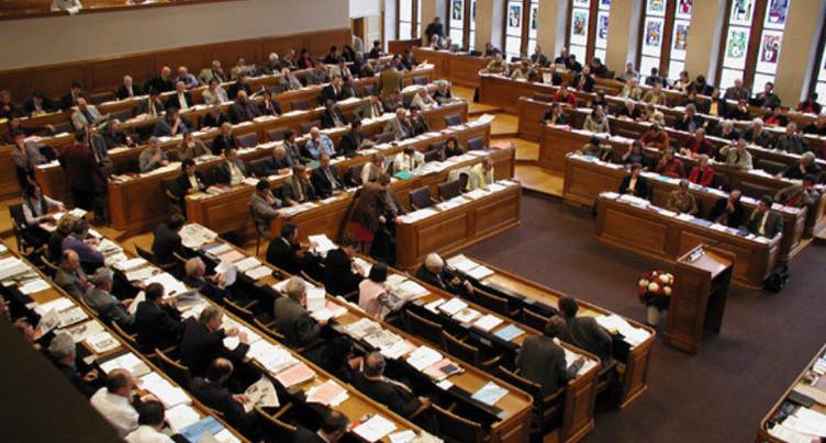 Passerelle s'insurge contre le possible retour des doubles mandats à Biene