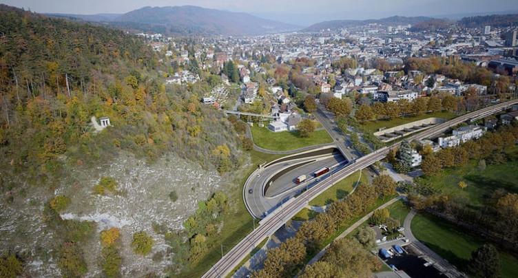 Axe ouest de l'A5 : le canton organisera une table ronde à Bienne