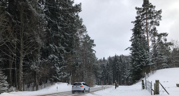 La neige fait la loi sur les routes