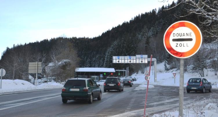 Le Grand Conseil neuchâtelois veut augmenter l'impôt des frontaliers