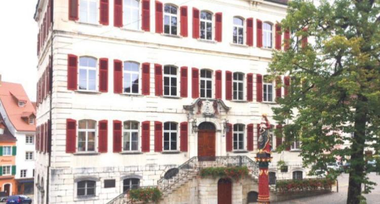 Le référendum sur le budget de Delémont est suspendu