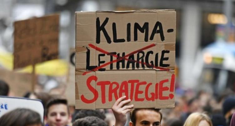 Les jeunes Vert'libéraux menacent d'un référendum