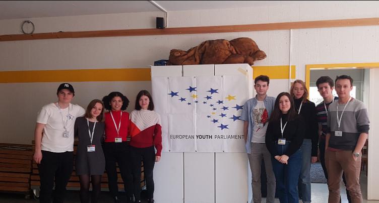 Une session du Parlement européen des jeunes à Neuchâtel