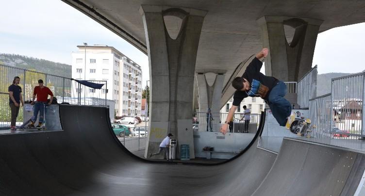 Ça roule fort pour le nouveau skatepark de Delémont