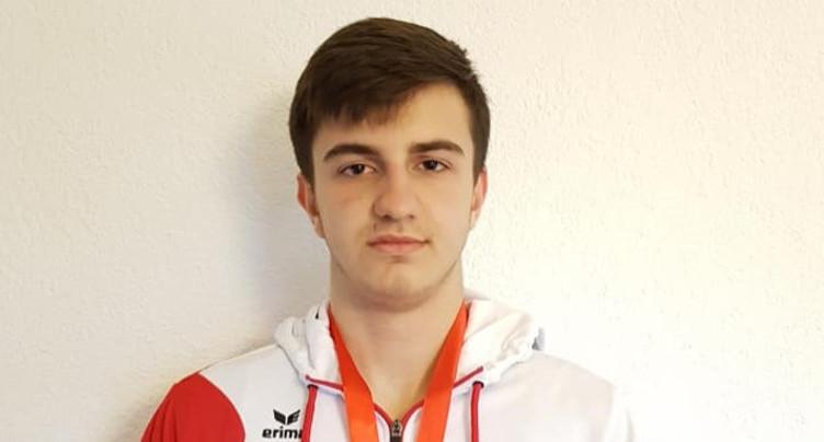 Arben Pjetraj en bronze à l'Eurocup