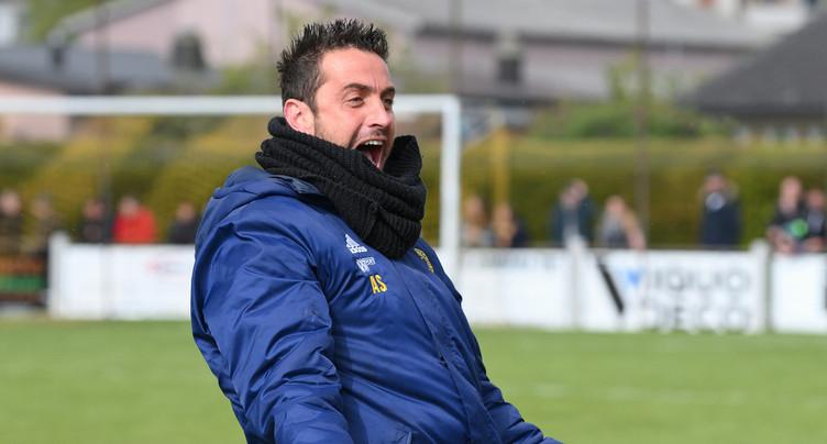 Deux joueurs du FC Bassecourt suivent Anthony Sirufo à Bienne