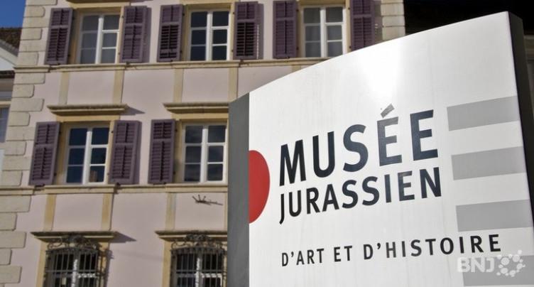 Un concours de masques pour une entrée au musée