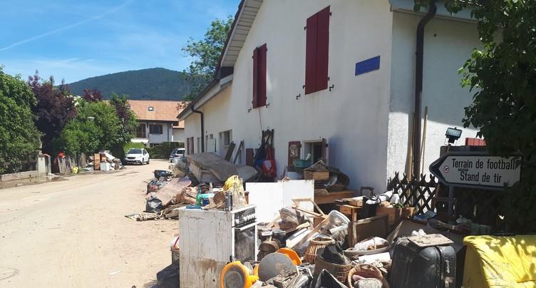 L'évacuation des débris continue sur fond de solidarité à Val-de-Ruz