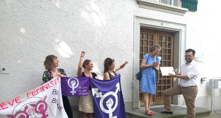 Les femmes biennoises ne relâchent pas la pression