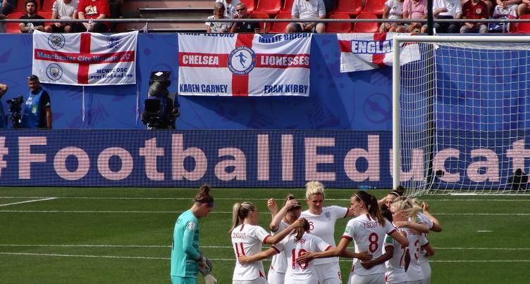 Du goudron et des plumes – La Coupe de monde féminine de football