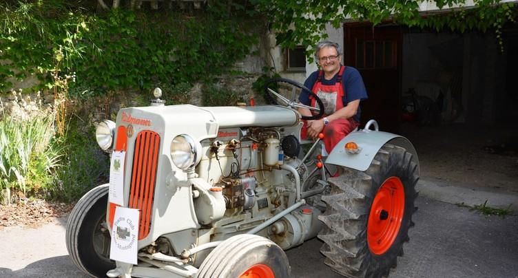 Des vieux tracteurs se rencontrent à Saignelégier
