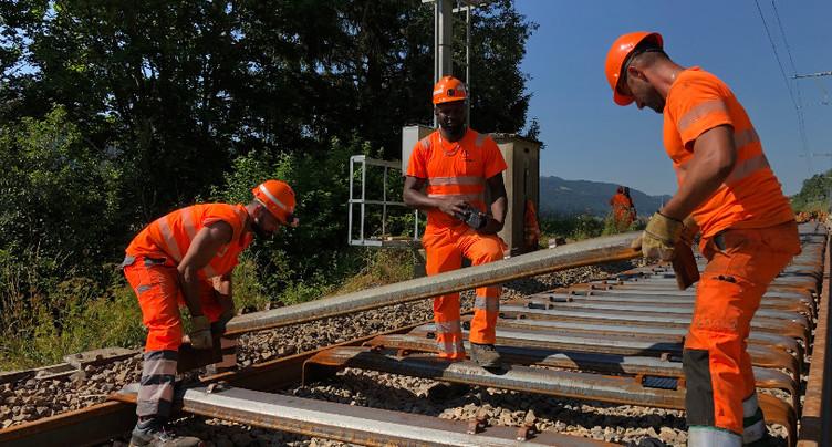 La pose des rails a commencé entre Renan et St-Imier