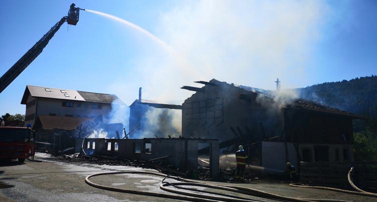 Du soutien pour la menuiserie partie en flammes à Sornetan