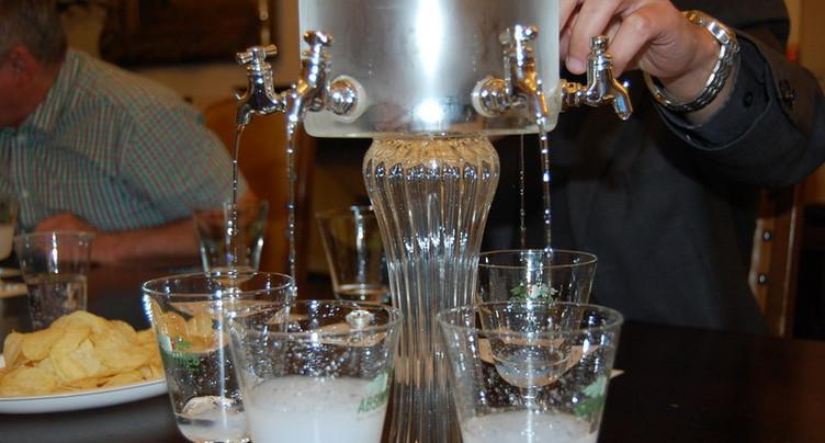 Pontarlier protège son absinthe, le Val-de-Travers attend toujours