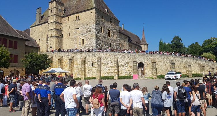 La foule a pris d'assaut le château de Colombier