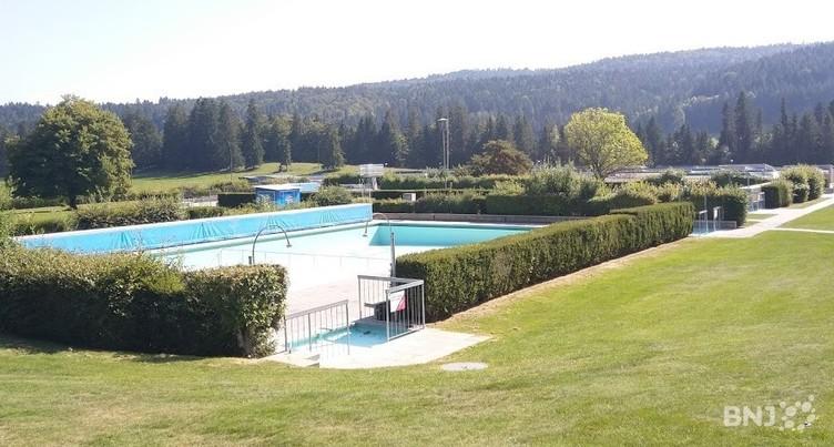 Pétition déposée pour la réouverture de la piscine de Tramelan