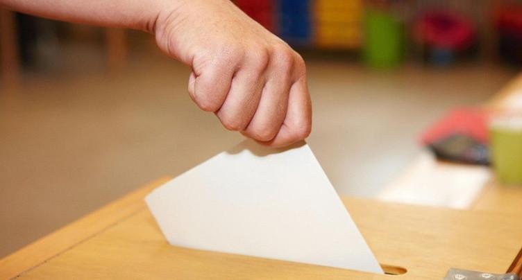 Des enveloppes de vote fermées à double à St-Imier