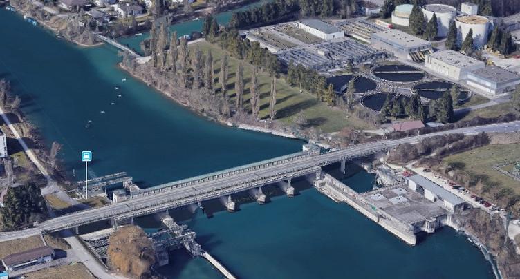 Renforcement du pont du barrage à Port