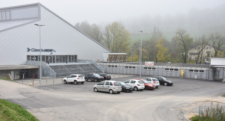 Pétition lancée contre une zone bleue devant la patinoire de St-Imier