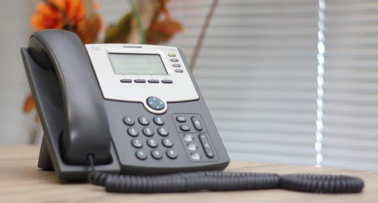 Le téléphone ou la visioconférence pour prendre des décisions