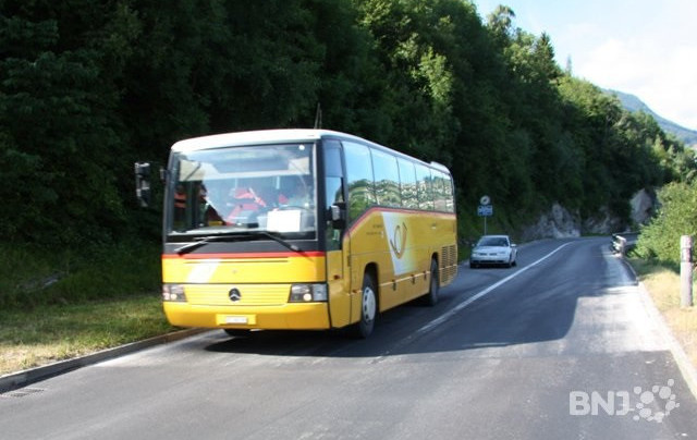 Six blessés dans une collision avec un Car postal à Liesberg