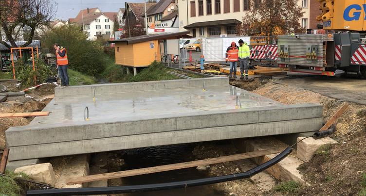 À Bonfol, un nouveau pont enjambe la Vendline
