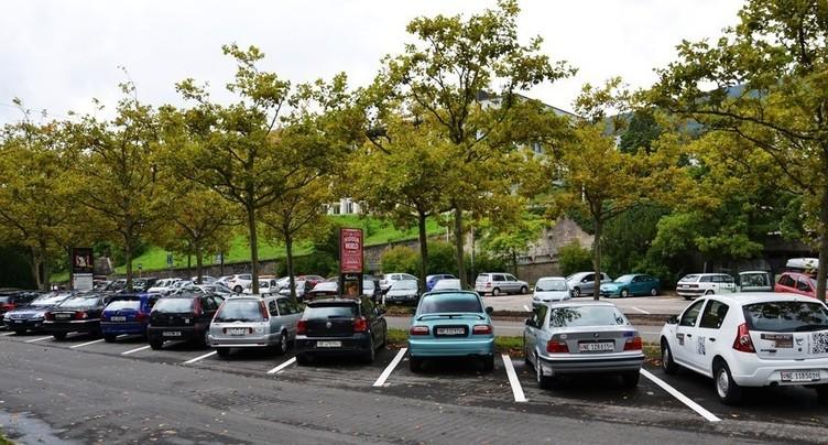 Une taxe cantonale sur le stationnement ?