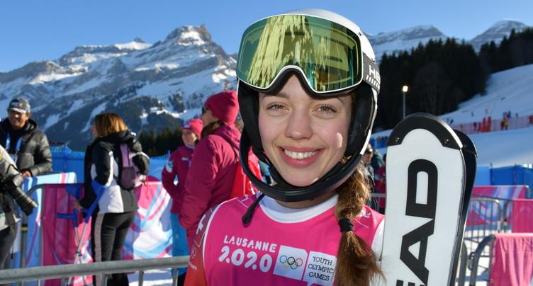 Amélie Klopfenstein avec la crème de la relève du ski alpin