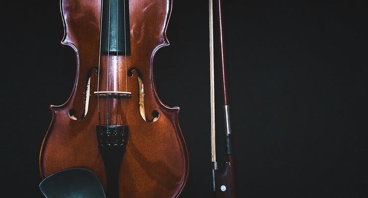 Les violons bien vernis jouent mieux et plus longtemps