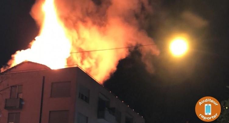 Bienne : le sommet d'un immeuble ravagé par les flammes