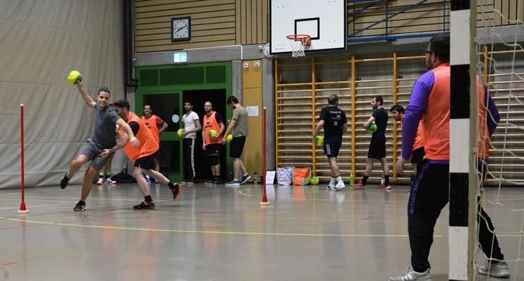 « Je m'entraîne avec » le Handball Jura Club