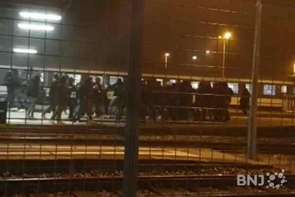 Une rixe entre Argoviens et Genevois bloque le trafic en gare de Neuchâtel