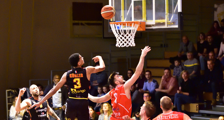 Pas de titre pour le basket suisse