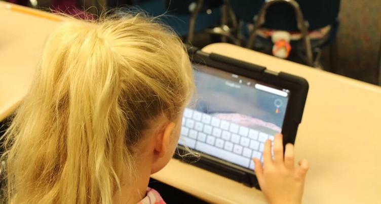 Éduquer les enfants aux médias numériques