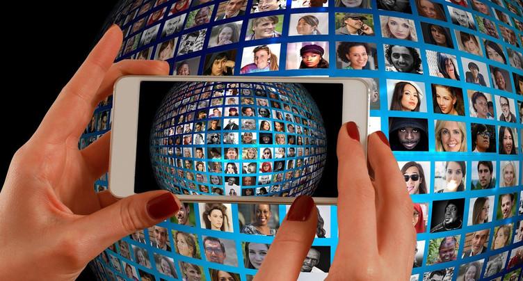 Du goudron et des plumes - Les miasmes des réseaux sociaux
