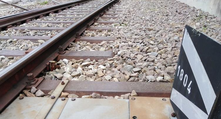 Un train emboutit un camion à Delémont