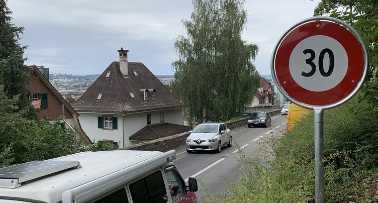 La route de Reuchenette à 30km/h à Bienne