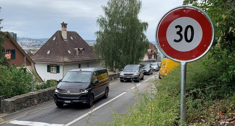 Vers une interdiction des camions sur la route de Reuchenette