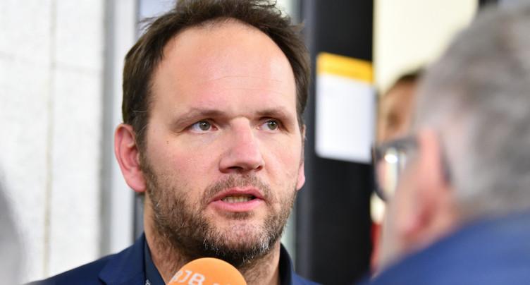 Martin Steinegger provisoirement à la bande du HC Bienne