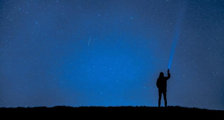 Ouvrez l'œil : les étoiles filantes sont nombreuses cet été