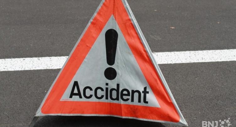Voiture en feu après un accident