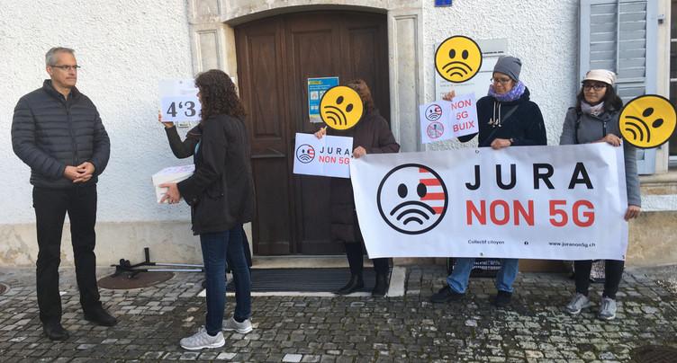Plus de 4'300 signatures contre la 5G dans le Jura