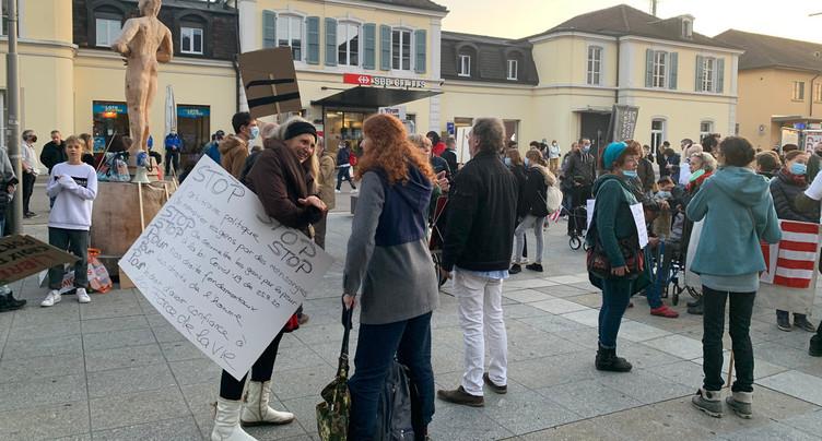 Nouvelle manifestation contre les mesures sanitaires à Delémont