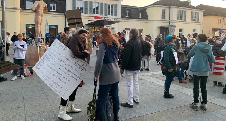 Le Collectif Libertés Fondamentales Jura défend « son » médecin