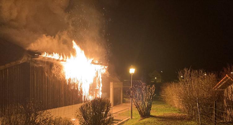 Le feu frappe la Halle polyvalente de Coeuve