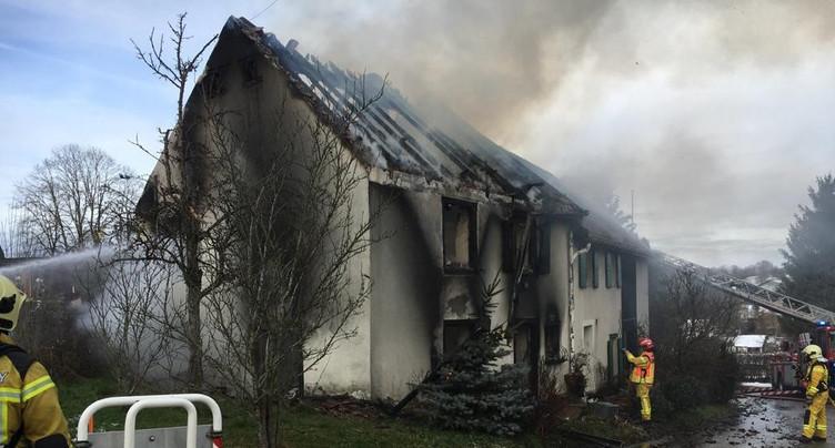 Maison détruite par le feu à Rocourt