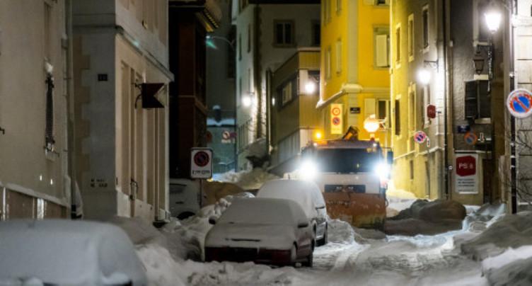 Neige et camions perturbent la circulation