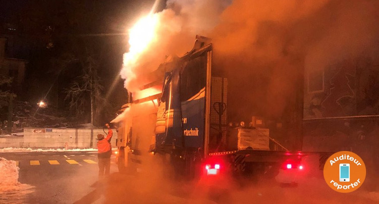 Camion en feu à Bienne
