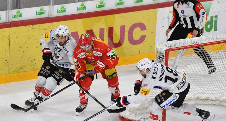 Fribourg stoppe l'élan du HC Bienne